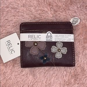 🆕 Relic by Fossil Brand Flower Wallet🌸